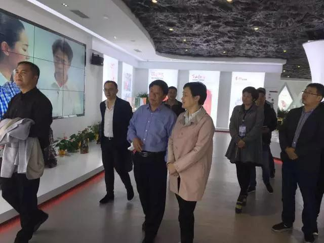 德兴市委书记刘瑞英一行莅临朱砂古镇考察指导工作